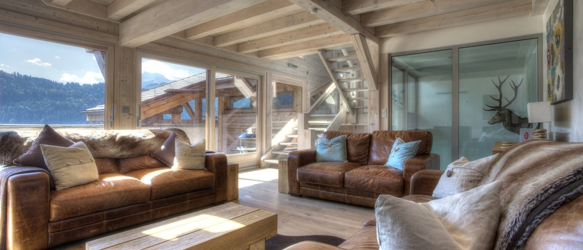 france_portes_du_soleil_morzine_chalet-la-source_living-area.jpeg